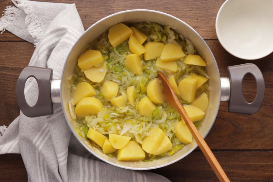 Leek and Fennel Soup recipe - step 3