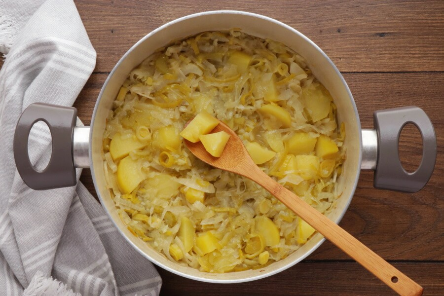Leek and Fennel Soup recipe - step 4