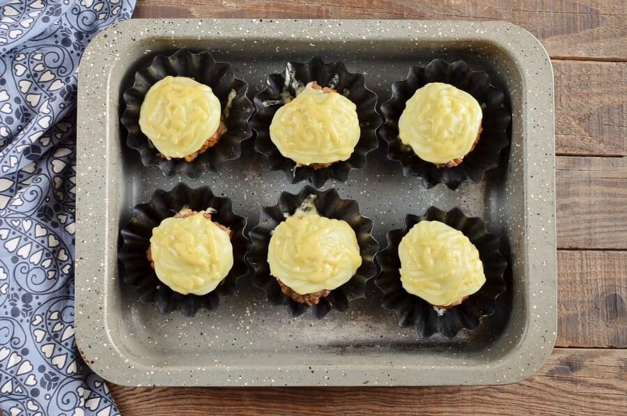 Meatloaf Cupcakes recipe - step 7