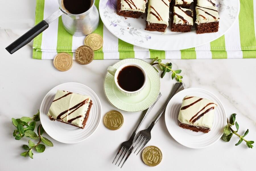 How to serve Mint Irish Cream Brownies