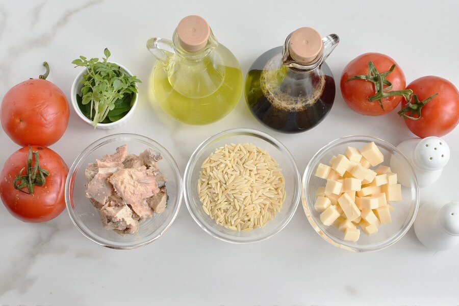Ingridiens for Orzo Tuna Salad with Tomatoes