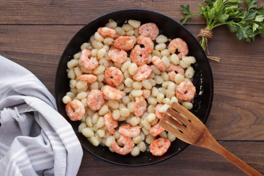 Shrimp Scampi Gnocchi recipe - step 7