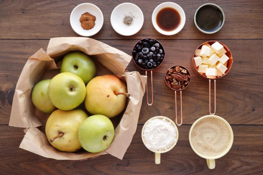 Ingridiens for Skillet Baked Pear and Apple Crisp