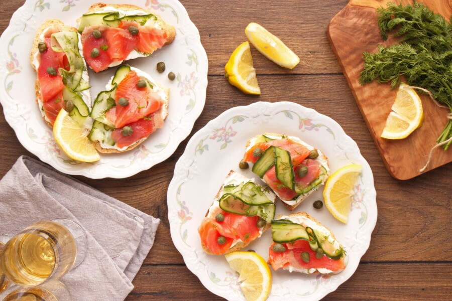 How to serve Smoked Salmon, Cucumber, Capers and Soda Bread