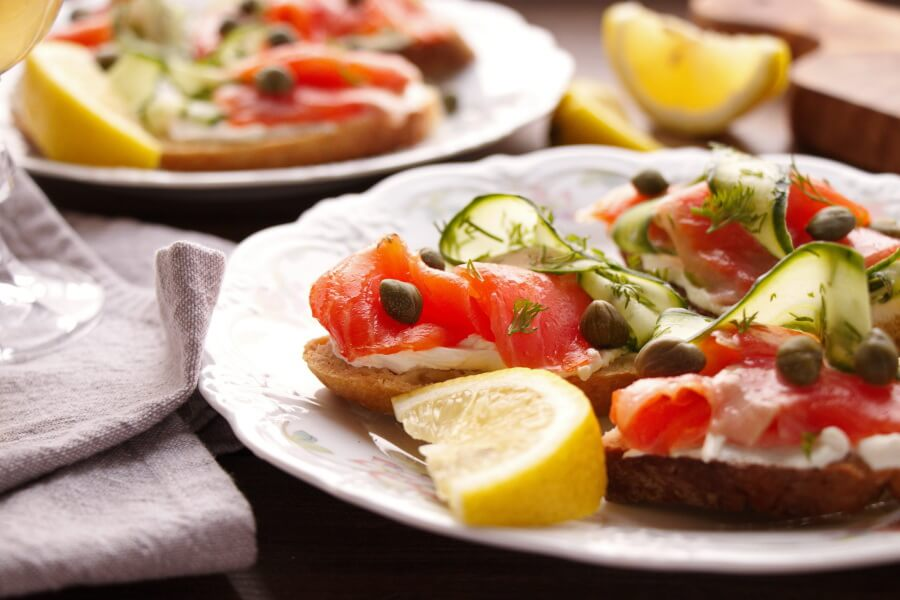 Smoked Salmon, Cucumber, Capers and Soda Bread Recipe-Best Smoked Salmon Bread-Easy Party Appetizer with Salmon