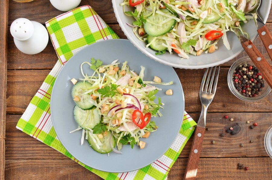 How to serve Spicy Chicken and Cabbage Salad