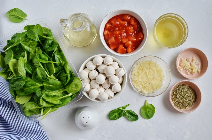 Ingridiens for Spinach and Tortellini Soup