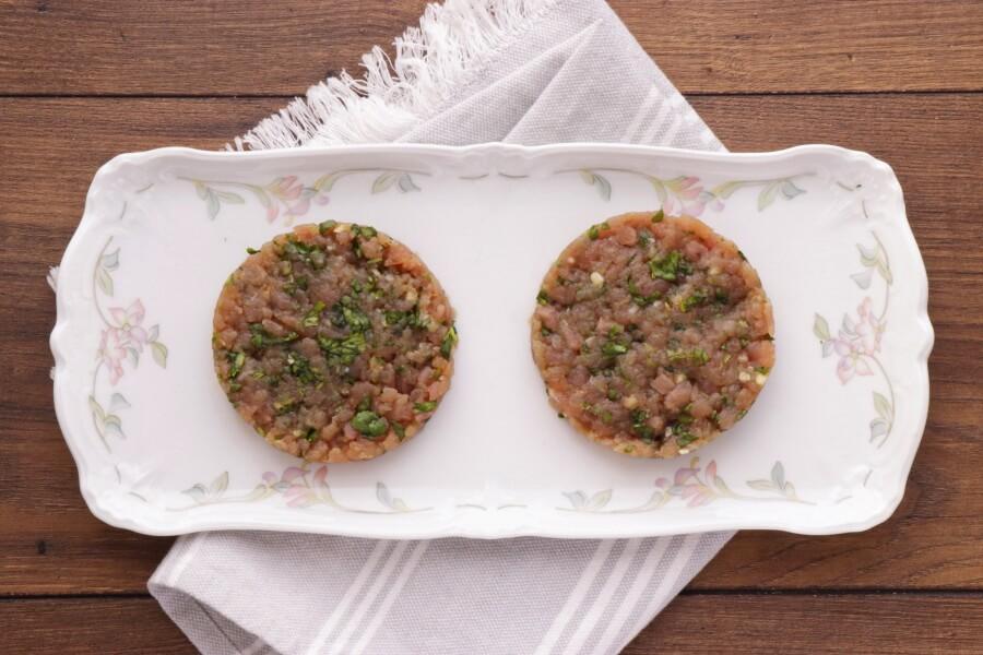Tangy Tuna Burgers recipe - step 3