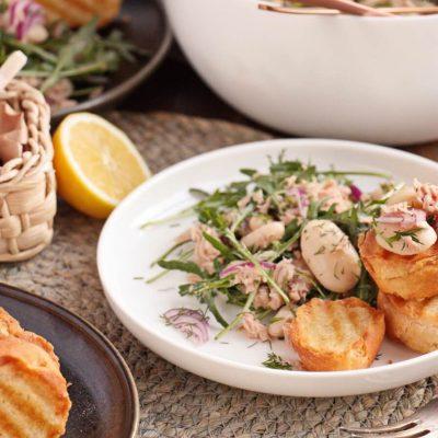 Tuna Salad with Garlic Toasts Recipe-Garlic Bread Tuna Salad-The Best Tuna Salad