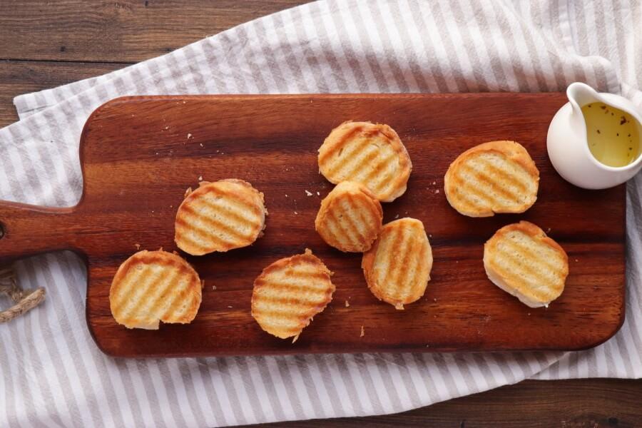 Tuna Salad with Garlic Toasts recipe - step 3