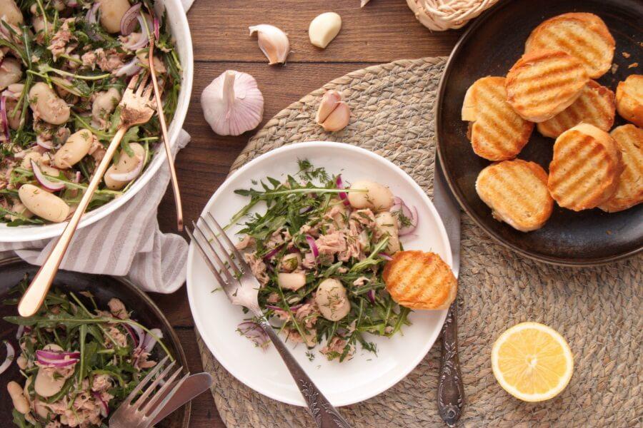 How to serve Tuna Salad with Garlic Toasts