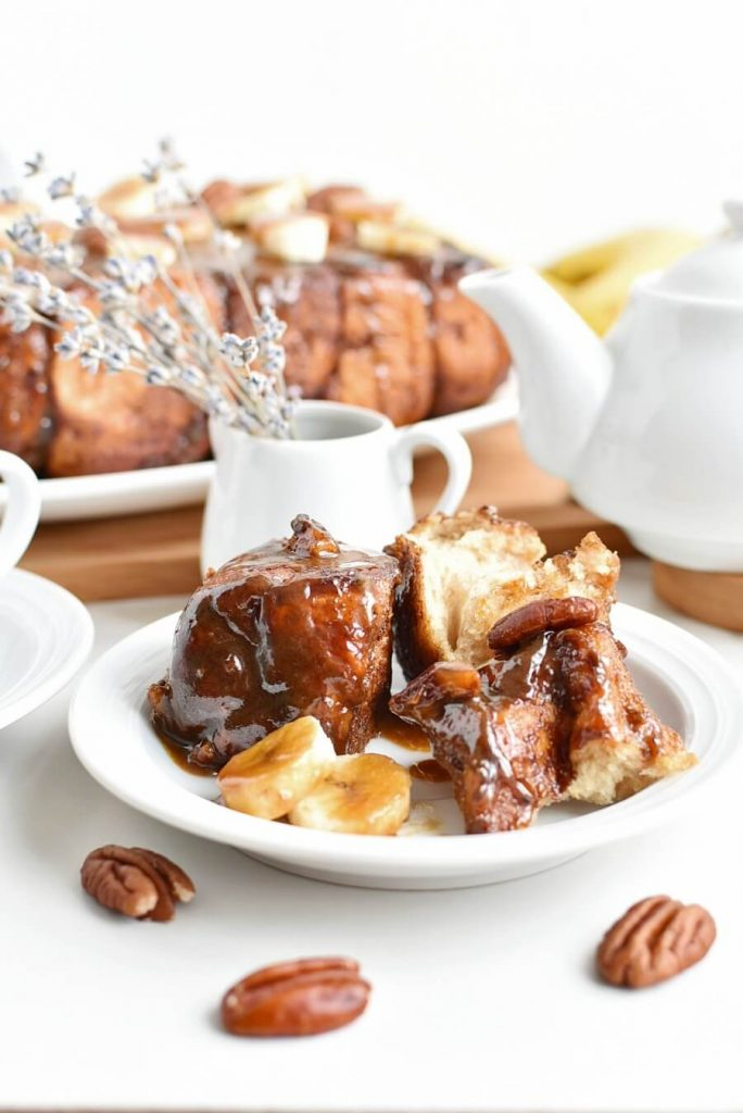 Buttery Cinnamon Bread with Pecans and Bananas