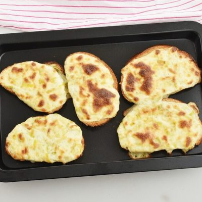 Welsh Leek and Cheese Rarebit recipe - step 6