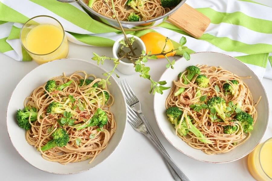 Whole Wheat Spaghetti with Broccoli Recipe-Homemade Whole Wheat Spaghetti with Broccoli-Eazy Whole Wheat Spaghetti with Broccoli