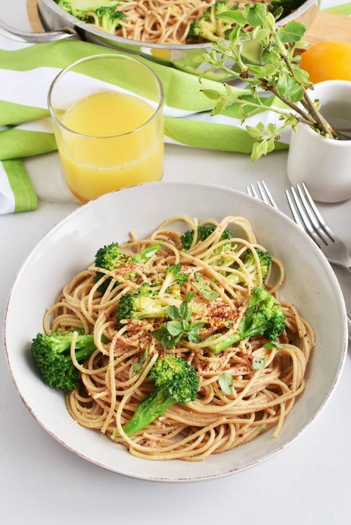 Whole Wheat Spaghetti with Broccoli, Chilli and Lemon