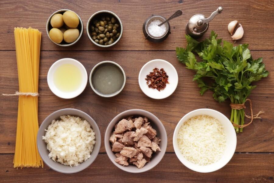 Ingridiens for 15 Minute Tuna Pasta with Pangrattato