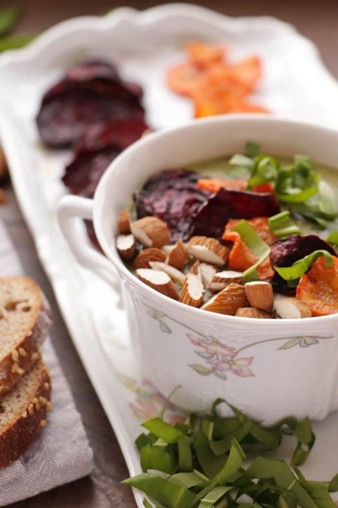 Creamy Wild Garlic Soup with Veggie Chips