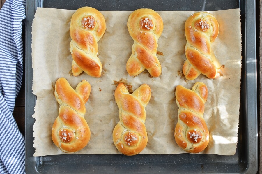 Easter Bunny Rolls recipe - step 10