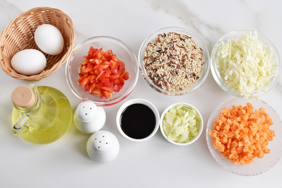 Ingridiens for Easy and Healthy Vegetable Fried Rice