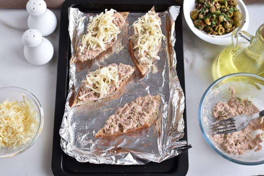 Cheesy Tuna Melts with Olive Salsa recipe - step 4
