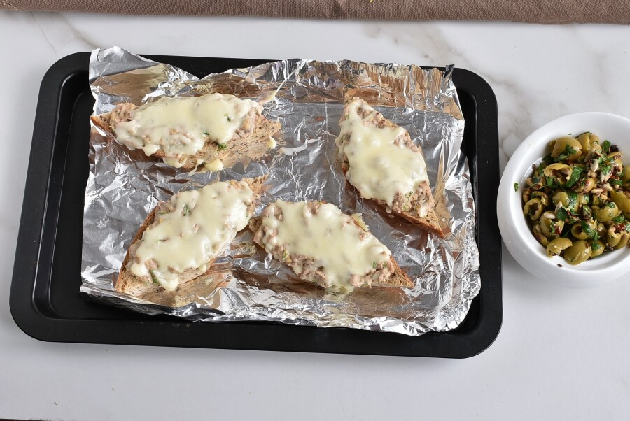 Cheesy Tuna Melts with Olive Salsa recipe - step 5