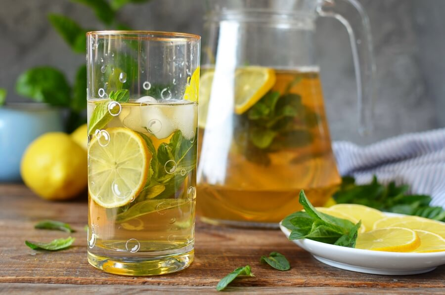 How to serve Freshly Brewed Ice Tea with Fresh Mint