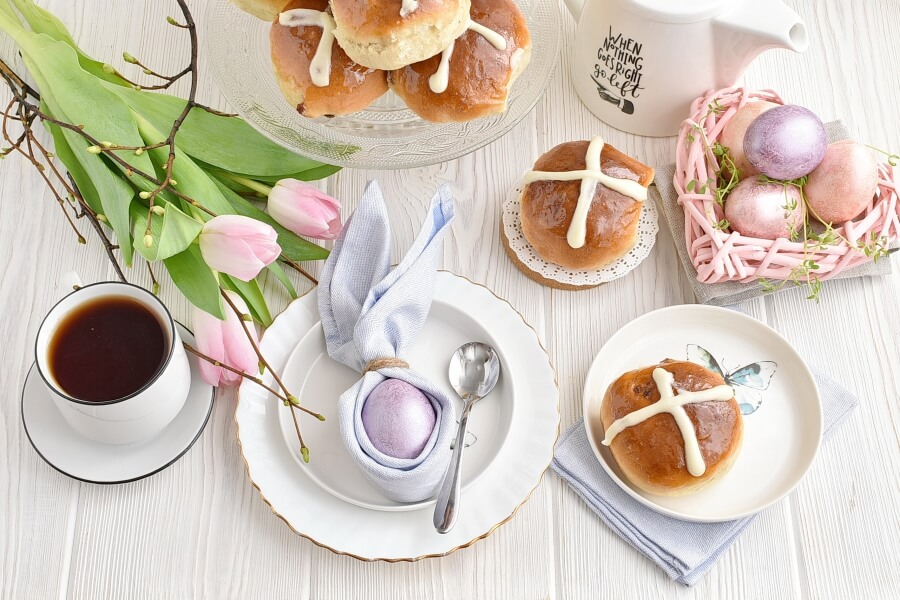 How to serve Hot Cross Buns