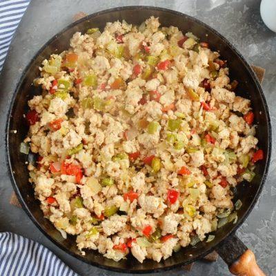Quinoa Unstuffed Peppers recipe - step 2