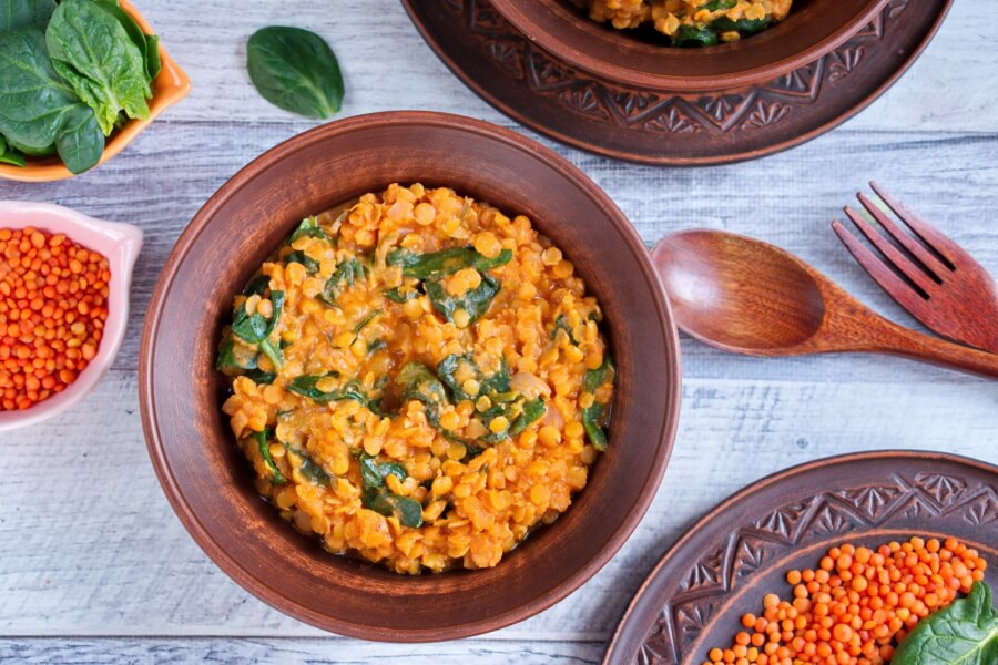 How to serve Red Lentil and Spinach Masala