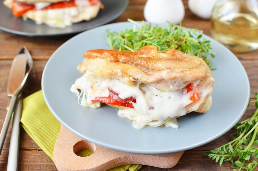 How to serve Red Pepper and Mozzarella Stuffed Chicken