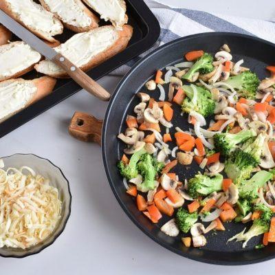 Smoked Gouda Veggie Melt recipe - step 6