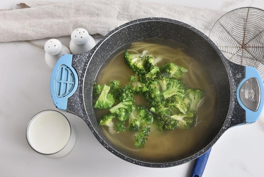 Spaghetti Con Broccoli recipe - step 2
