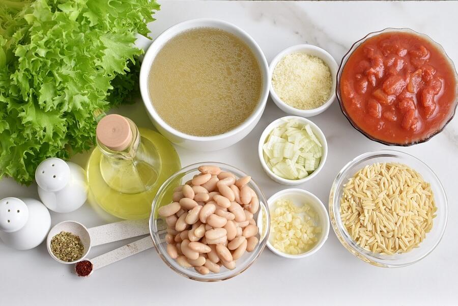 Ingridiens for White Bean Soup with Escarole