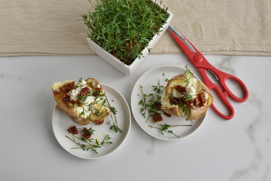 How to serve Baked Potatoes with Cream Cheese