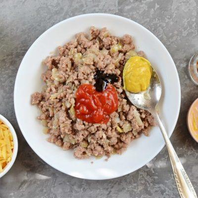 Beef and Cheese Empanada recipe - step 4