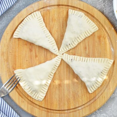 Beef and Cheese Empanada recipe - step 7