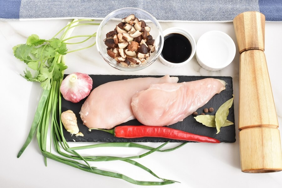 Ingridiens for Brothy Poached Chicken with Mushrooms