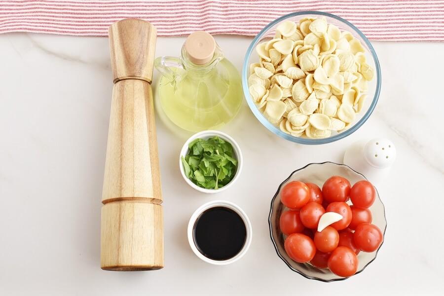 Ingridiens for Bruschetta Pasta Salad