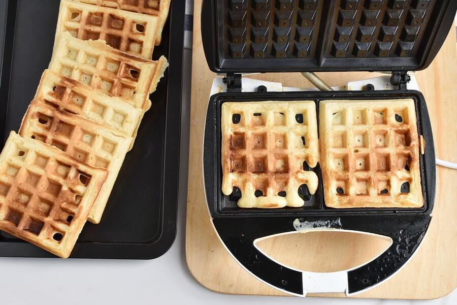 Churro Waffles recipe - step 5