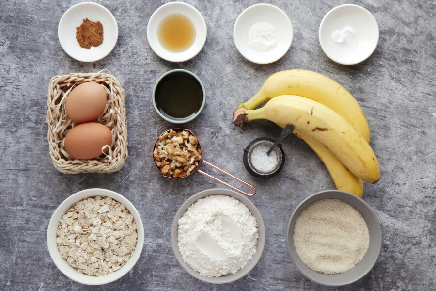 Ingridiens for Easy Oatmeal Banana Bread