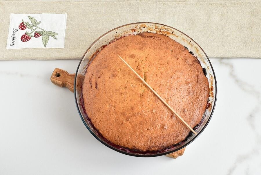 Easy One-Bowl Upside-Down Cake recipe - step 11