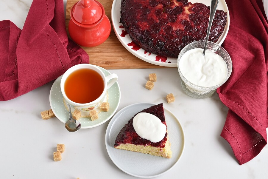 How to serve Easy One-Bowl Upside-Down Cake