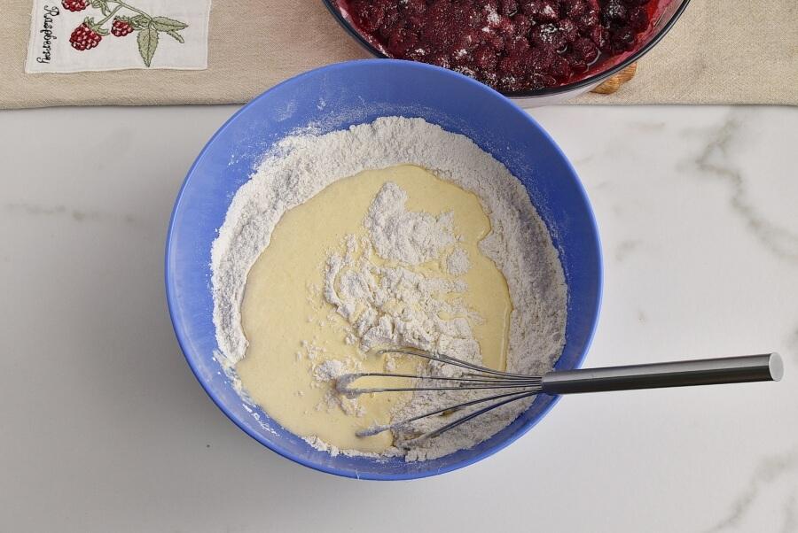 Easy One-Bowl Upside-Down Cake recipe - step 9