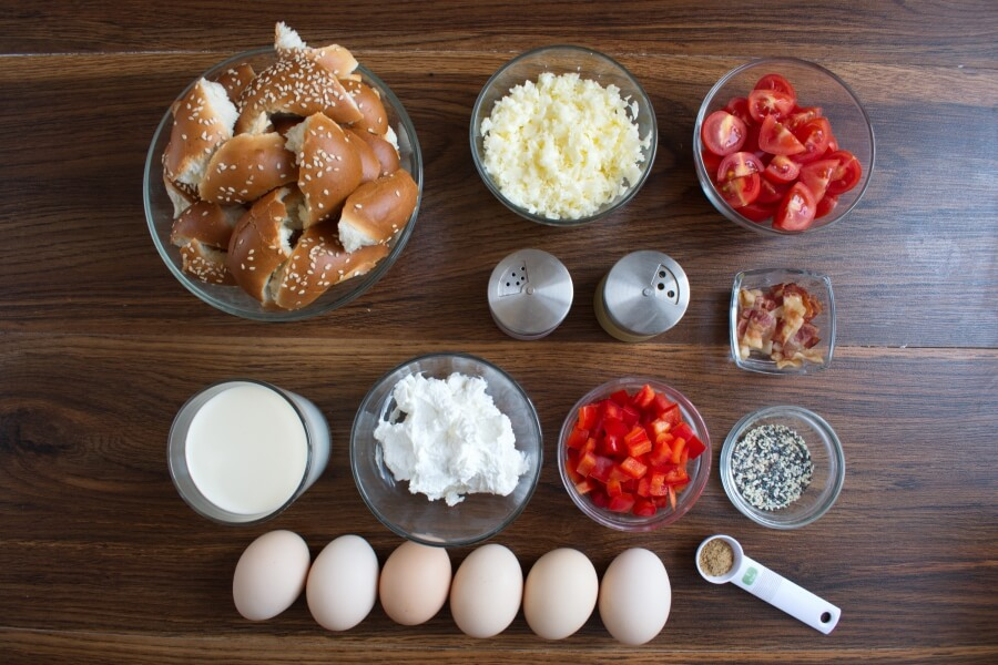 Ingridiens for Everything Bagel Breakfast Casserole