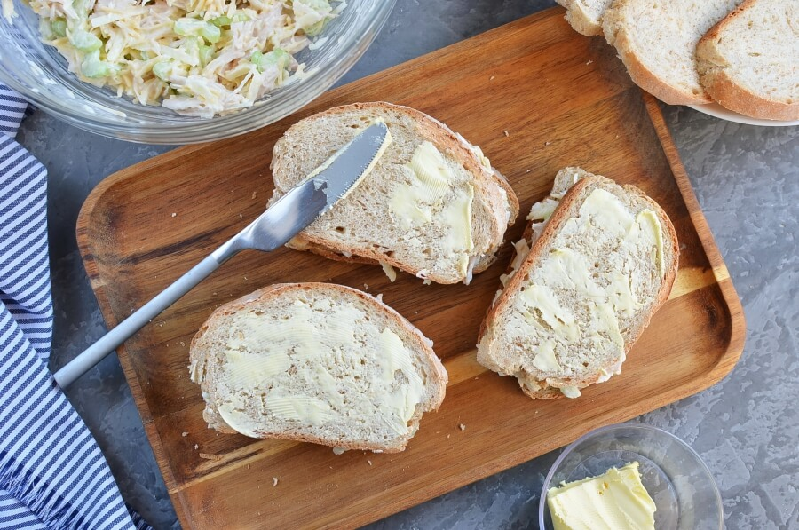Grilled Chicken and Apple Sandwiches recipe - step 3
