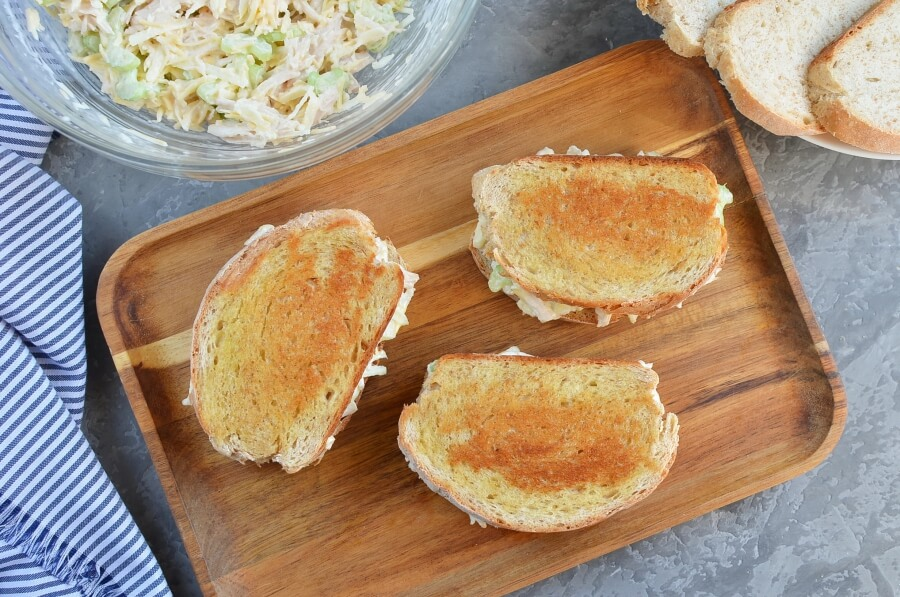 Grilled Chicken and Apple Sandwiches recipe - step 4
