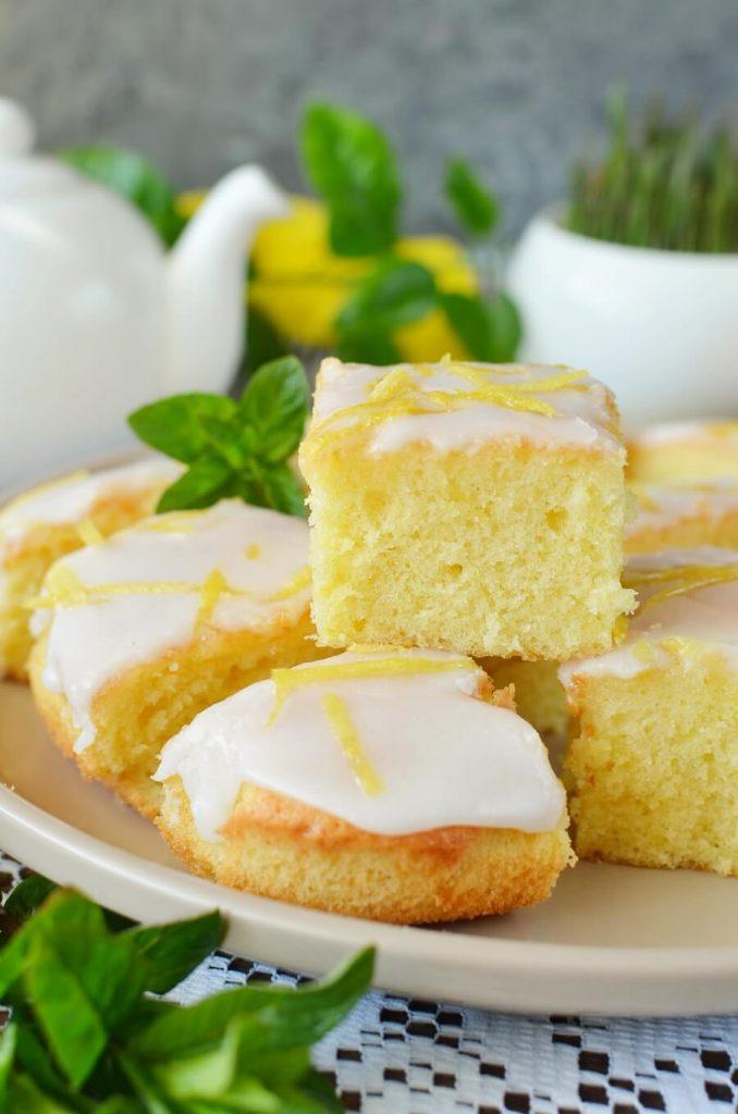 Sweet yet tart lemon cake