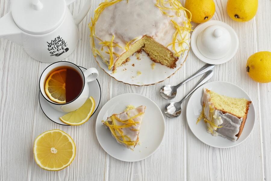 How to serve Lemon Sponge Cake