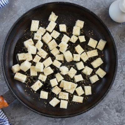 Panzanella Salad recipe - step 1