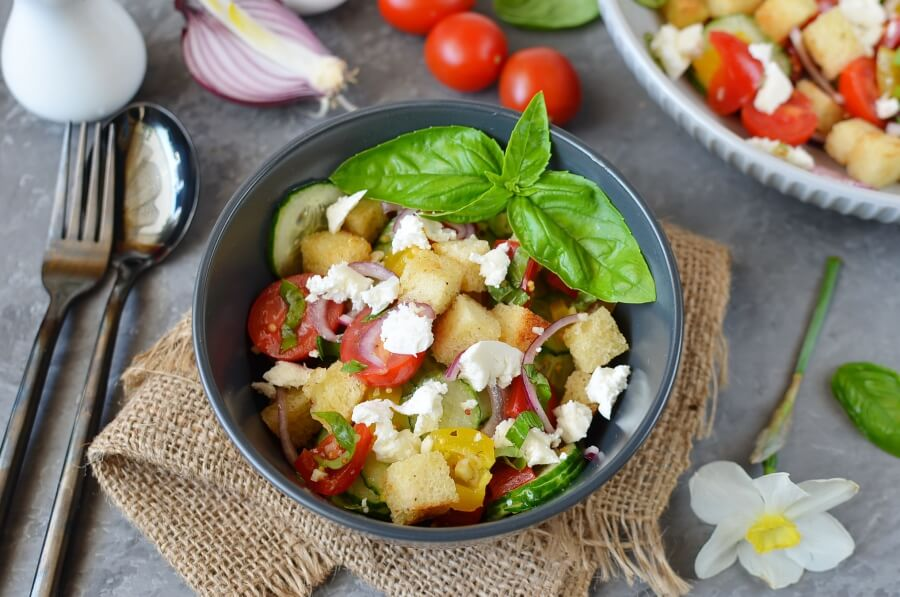 How to serve Panzanella Salad